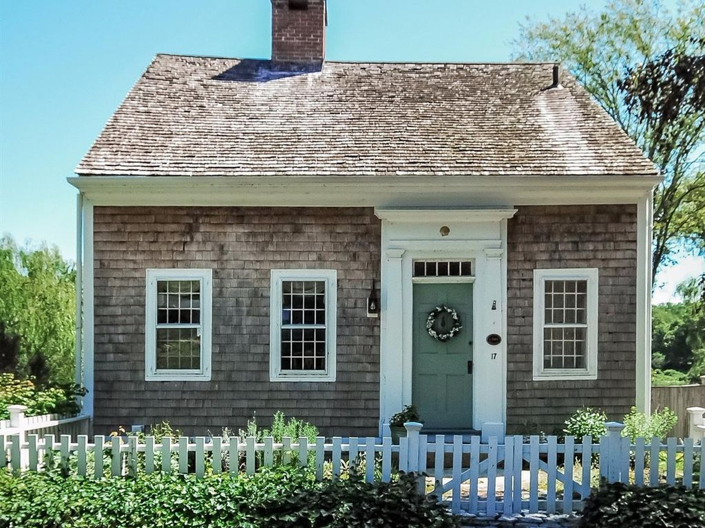 Massachusetts S Oldest House Just Sold And It S Adorable