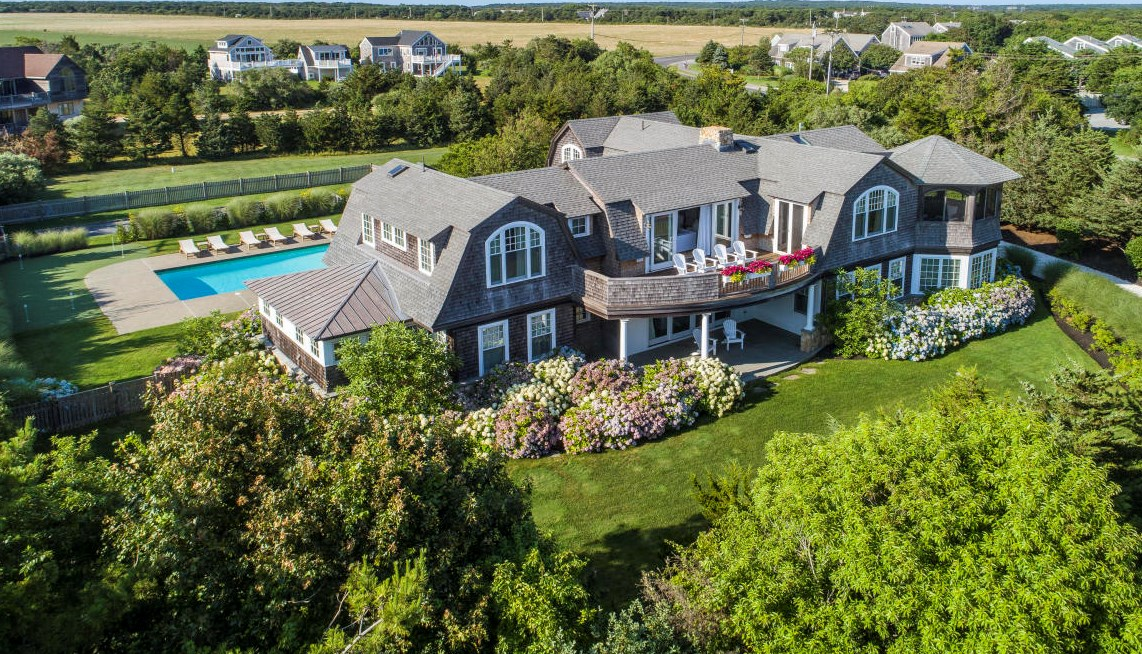 Exterior shinglestyle 3 Dunes Road Edgartown, MA Sandpiper Realty Edgartown realty