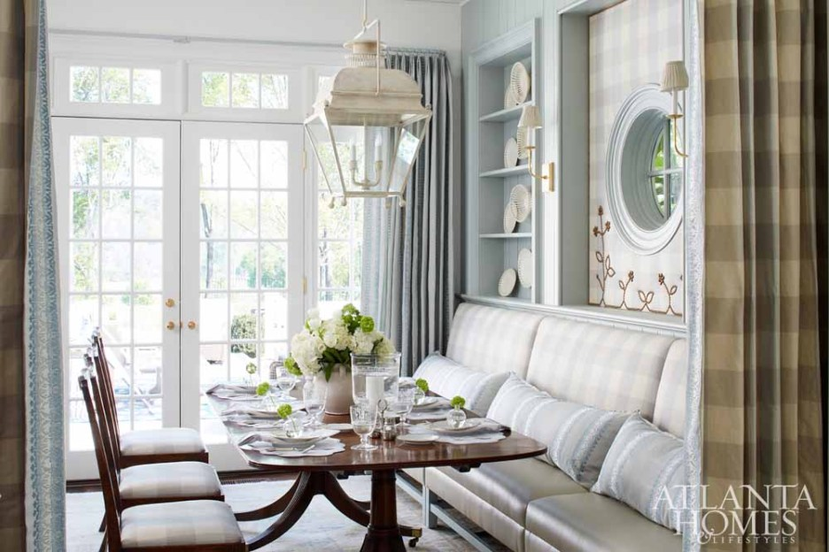 SE showhouse 2017 Atlanta Homes Lauren Deloach design blue dining banquettes settees