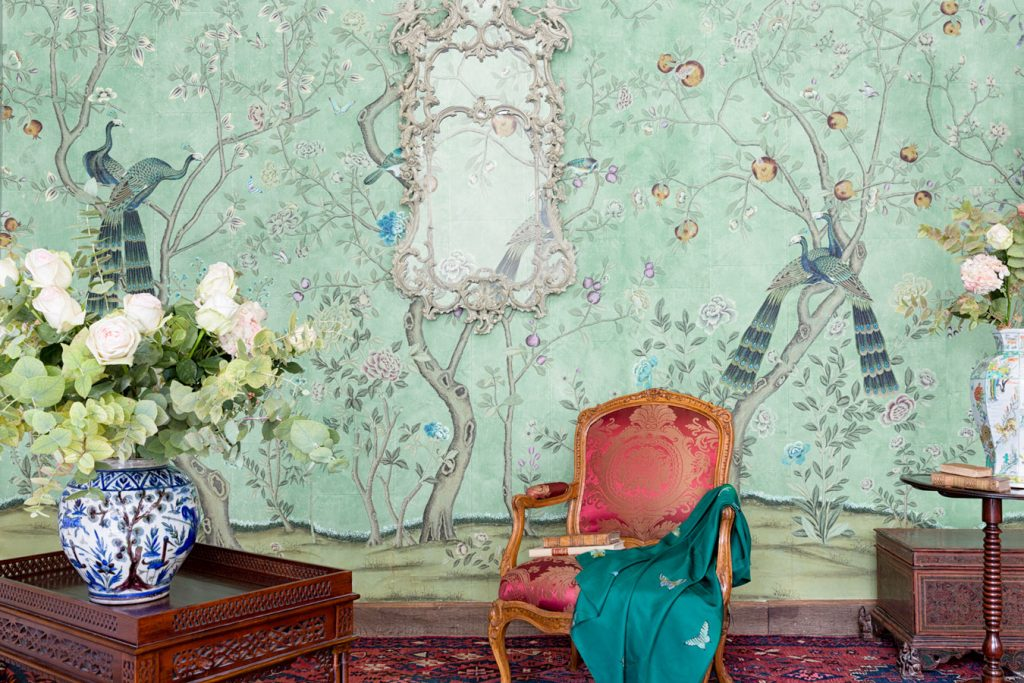 deGournay MARIAM MEDVEDEVA photograph St Laurent Wallpaper Sharp Objects