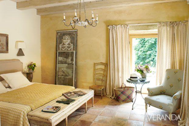 Marston Luce antiques design Dordogne Veranda yellow bedroom